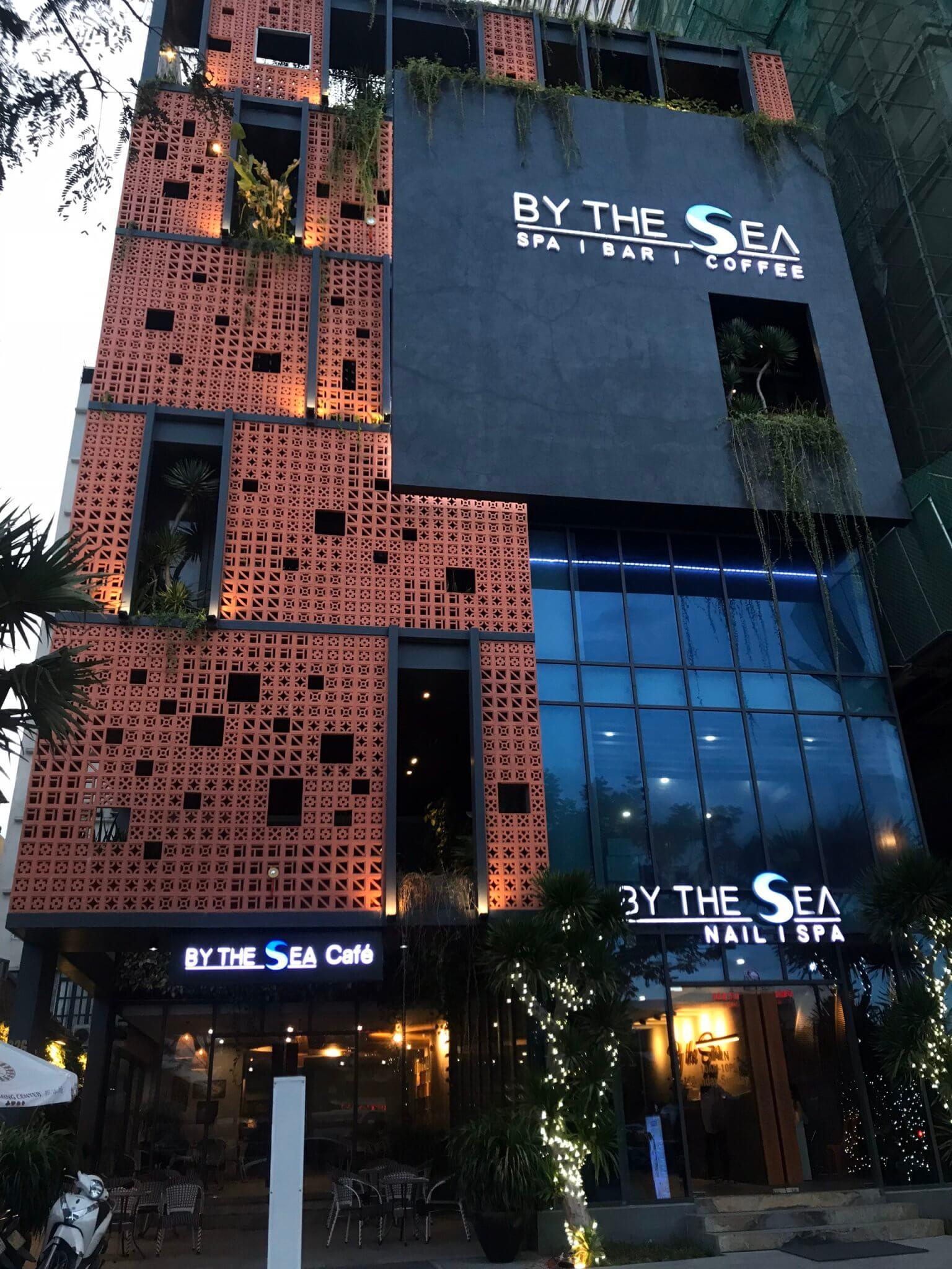 Thi công trọn gói bộ thương hiệu CAFE SPA By The Sea