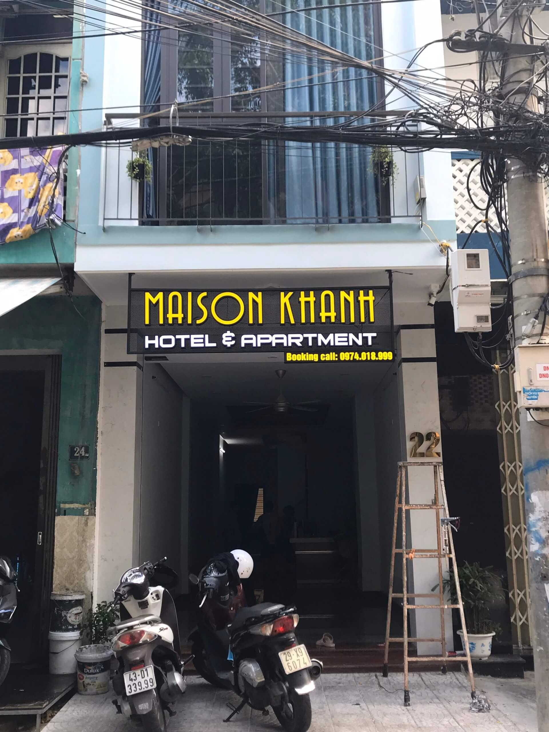 Thi công bảng hiệu trong nhà và ngoài trời khách sạn MAISON KHANH 3