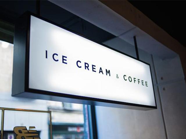 Hộp đèn quảng cáo quán cafe và kem